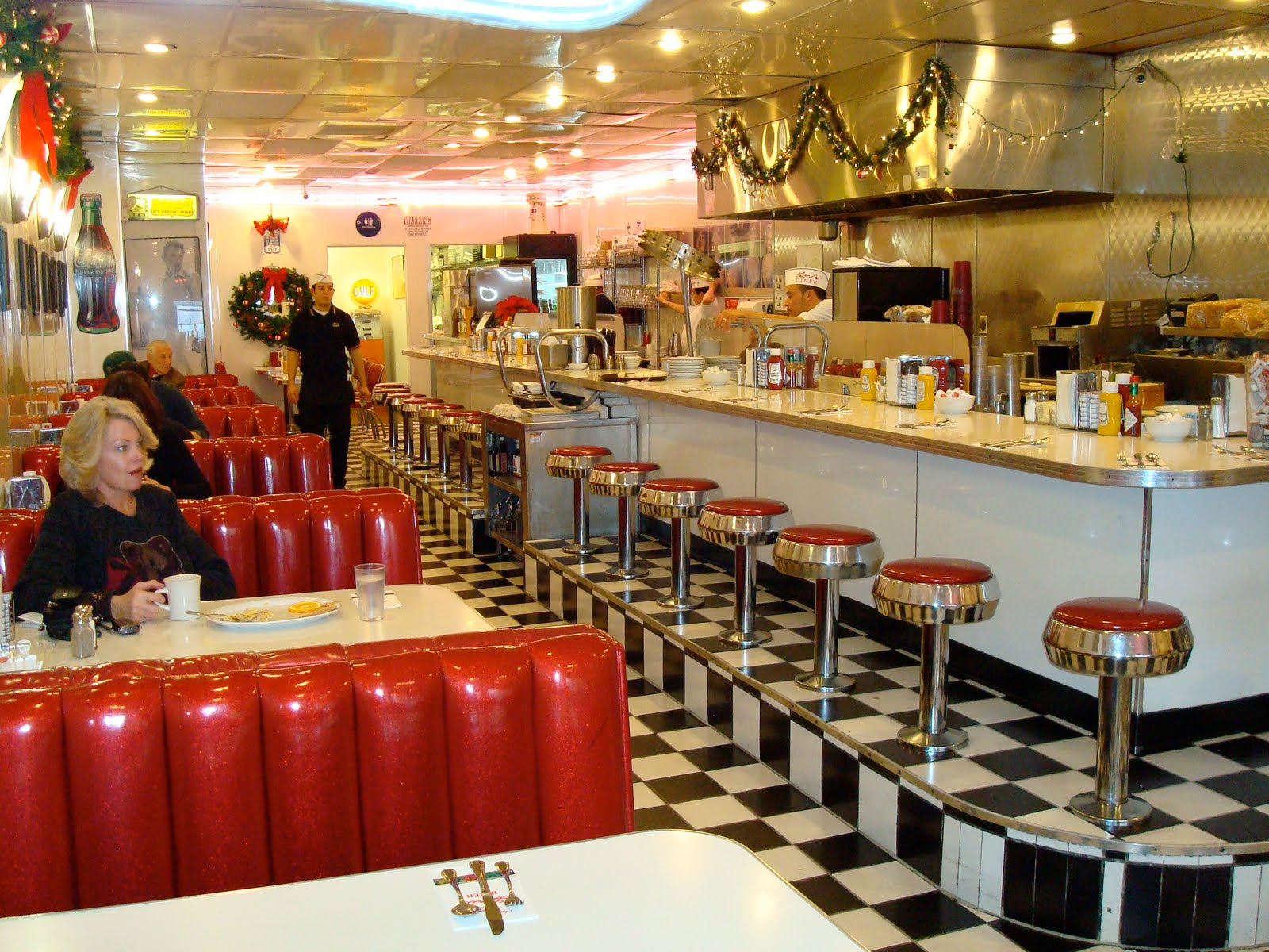 Restaurant meal prices most popular for American classic diner