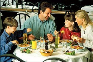 Family-Dining_RestaurantMealPrices