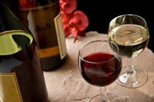 Wine -and-Glasses_RestaurantMealPrices