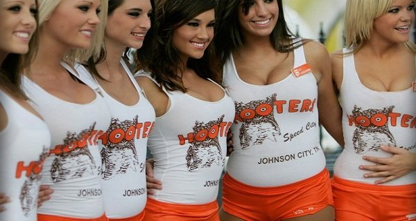 best-food-choices-hooters