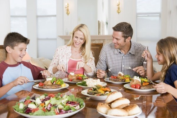 irresponsible-eating-keeps-family-together